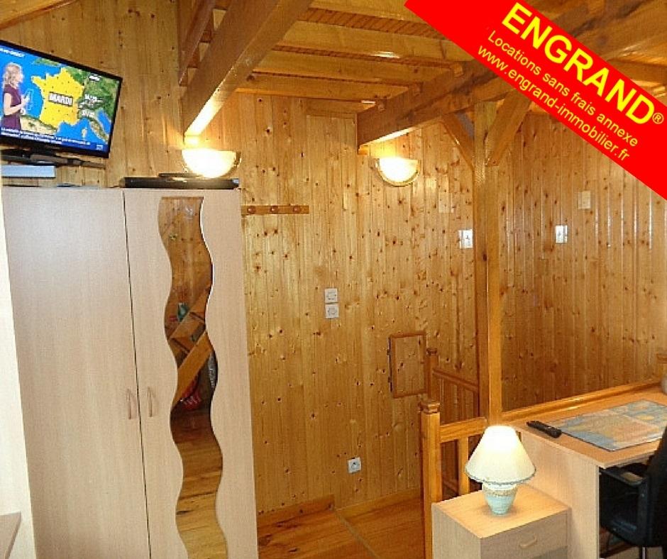T1 en duplex, meublé, 62000 Arras. ENGRAND, marque déposée, www.engrand-immobilier.fr